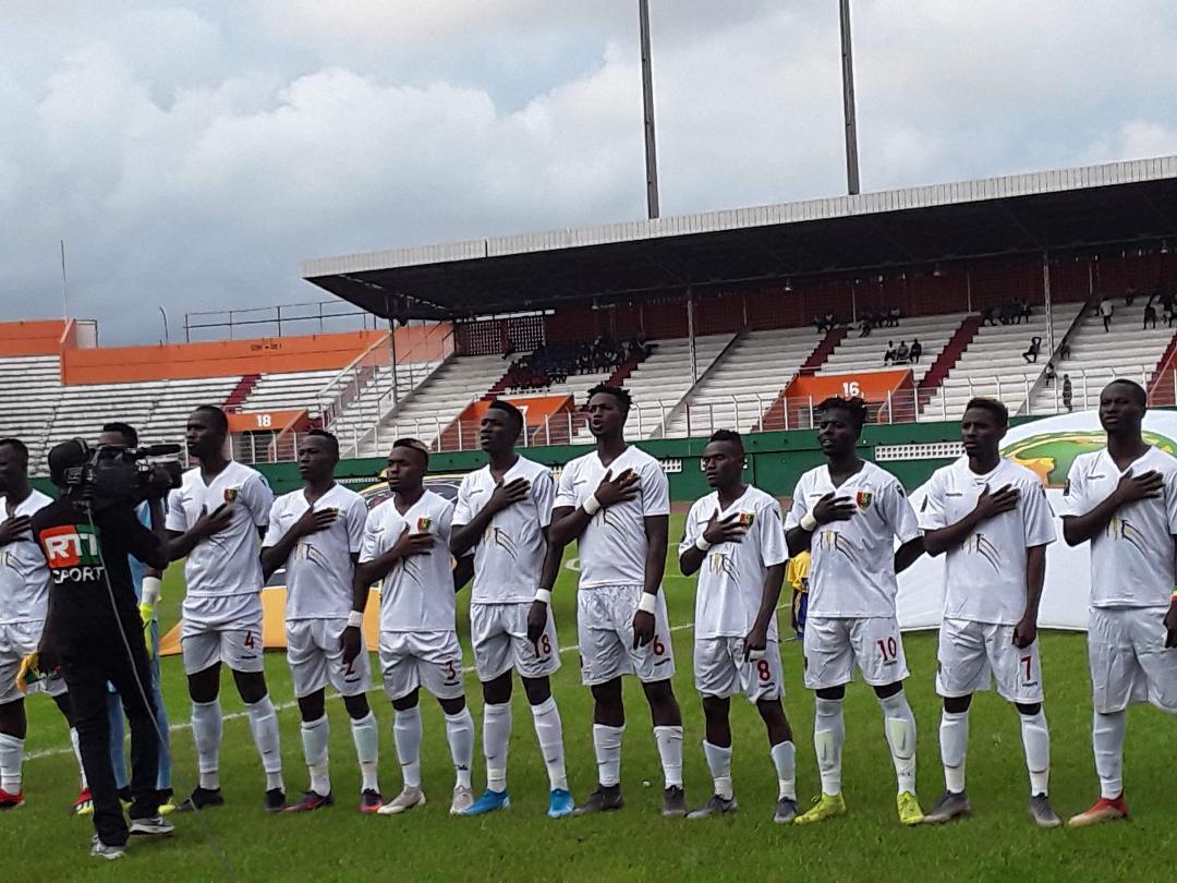 La Guinée surprend la Côte d'ivoire et s'impose (1-0).